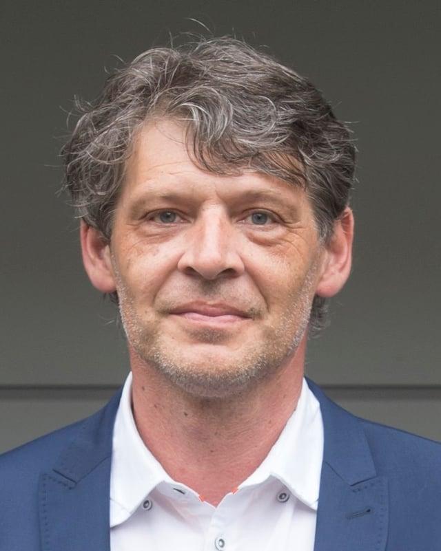 Porträt Patrik Schellenbauer.