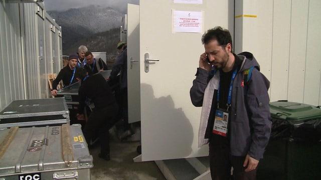 Video «Von Kisten, Kabeln und Kollegen» abspielen