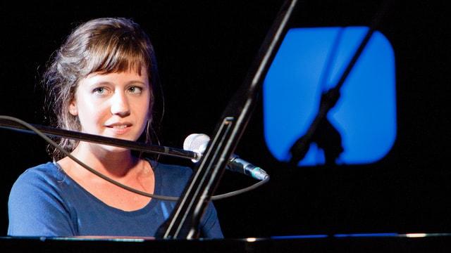 Anna Aaron eröffnete das Showcase mit ihren eindringlichen, wunderschönen Songs.