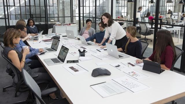Eine Sitzung unter Angestellten