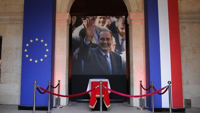 Il vaschi da Jacques Chirac en l'Hôtel des invalides a Paris.