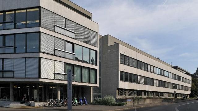 Die Aussenansicht der modernen Gebäude der Basler Universitäts-Bibliothek