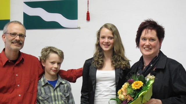 Christa Benz-Meier (SP) mit ihrem Mann und ihren zwei Kindern.