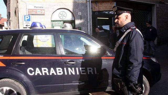 In carabinieri avant ses auto