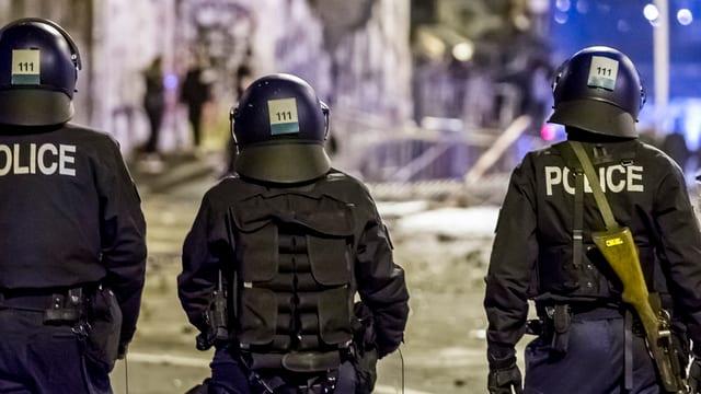Policists èn pronts a Berna.