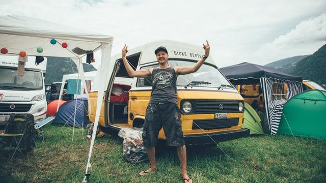 Ivan aus dem Kanton Fribourg mit seinem VW T3 (Jg. 1987).