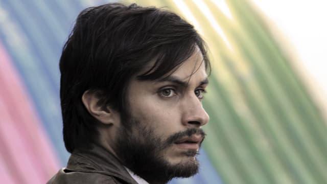 Grossaufnahme eines Mannes (Gael García Bernal als René Saavedra)
