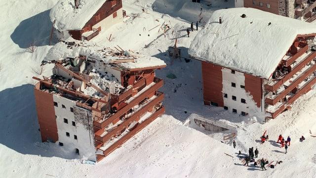 Zerstörte Häuser in Leukerbad.