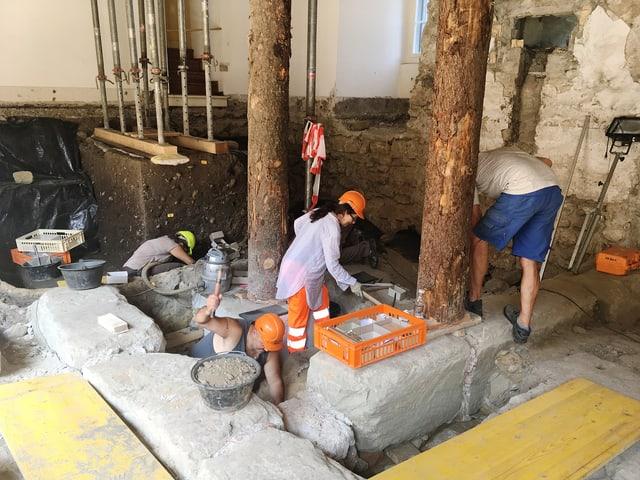 Archäologen bei der Arbeit in Burgdorf