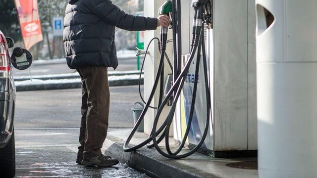 Benzin.