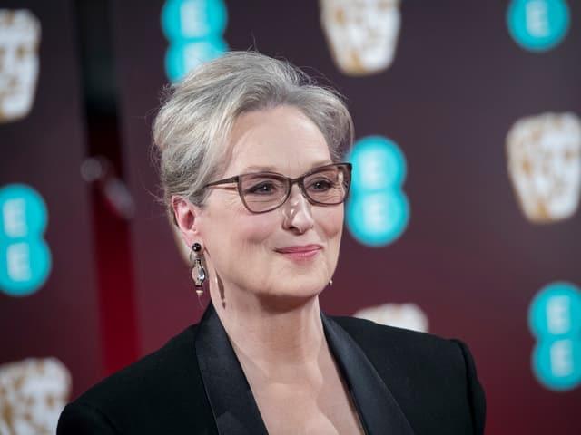 Meryl Streep auf einem roten Teppich