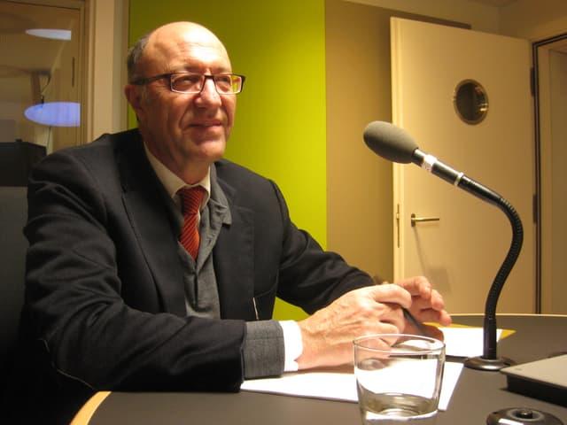 Thomas Rüegg, Schulpräsident in Rapperswil-Jona, im Studio.
