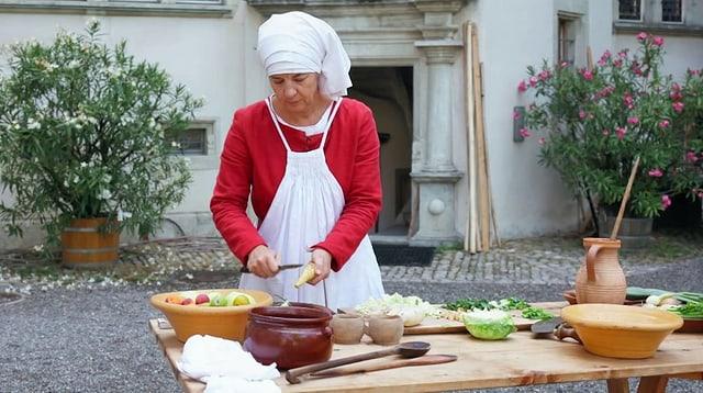 Video «Mittelalter in der Schweiz: Essen im Schloss Lenzburg (4/5)» abspielen