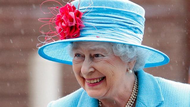 La regina Elisabeth II. è dapi 63 onns en uffizi.