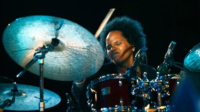 Die Schlagzeugerin Terri Lyne Carrington.
