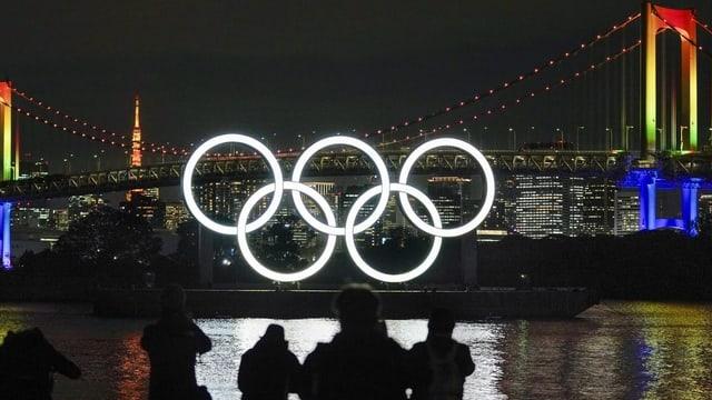 5 rins olimpics illluminads