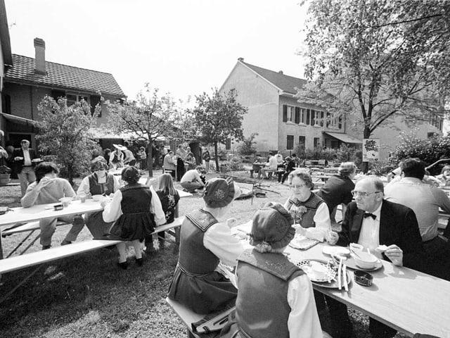Brunch an einem Sonntagmorgen im Jahr 1979 in Reinach, Kanton Baselland.