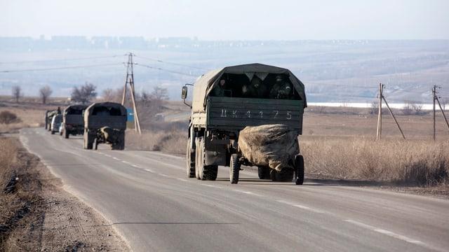 Camiuns dals separatists pro-russ.