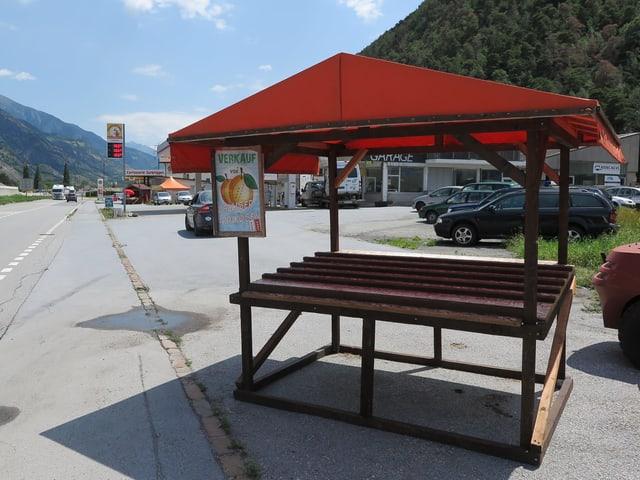 Bild eines leeres Standes an der Kantonsstrasse