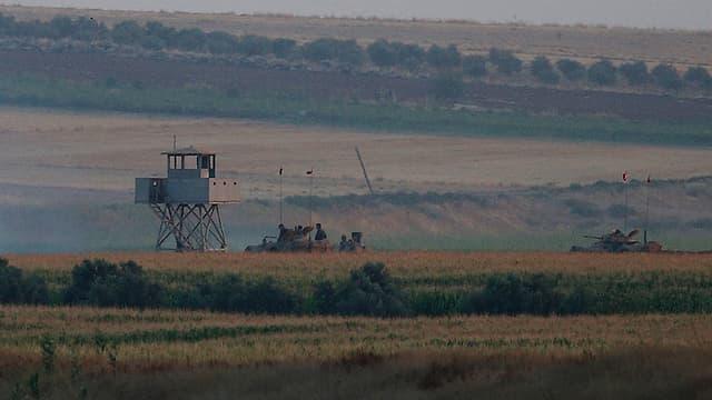 Purtret d'in post militaric tranter la Tirchia e la Siria.