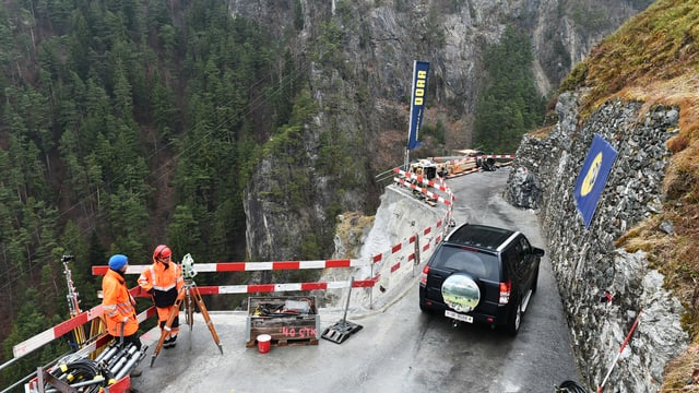 Am Samstagvormittag wurden 180 Autos aus Bristen in Tal gebracht.