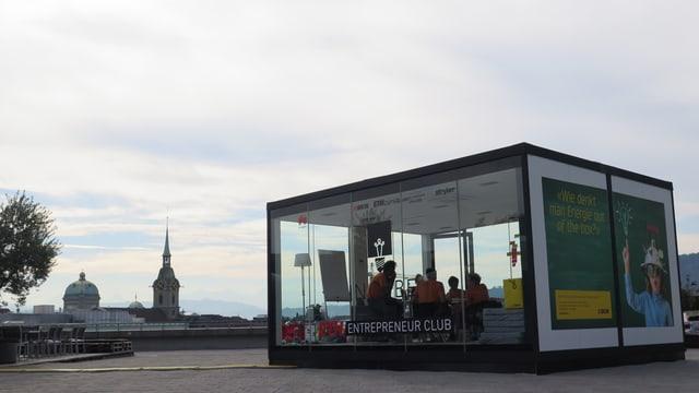 Glasbox auf Grosser Schanze.