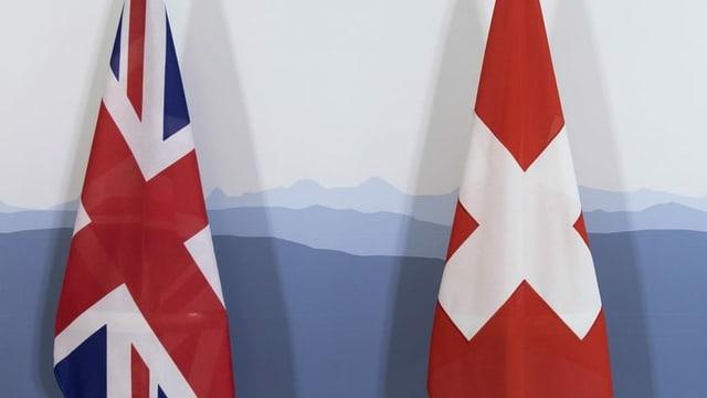 Paraplievgias averts cun la bandiera da la Gronda Britannia.