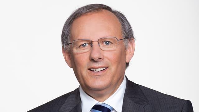 Portrait des SVP-Politikers Eduard Rutschmann. Er kandidiert für den Basler Regierungsrat.