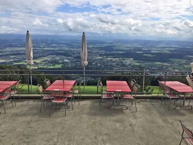 Leere Terrasse auf dem Weissenstein