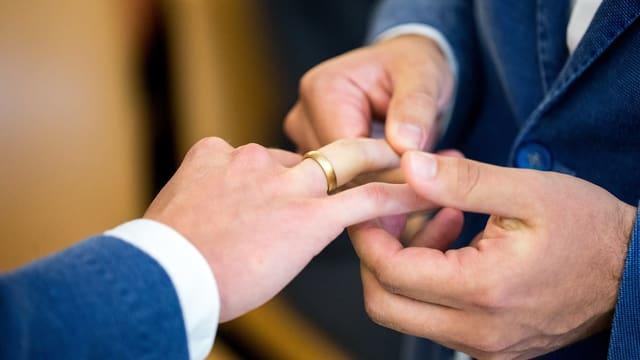 Dus umens maridan en Germania.