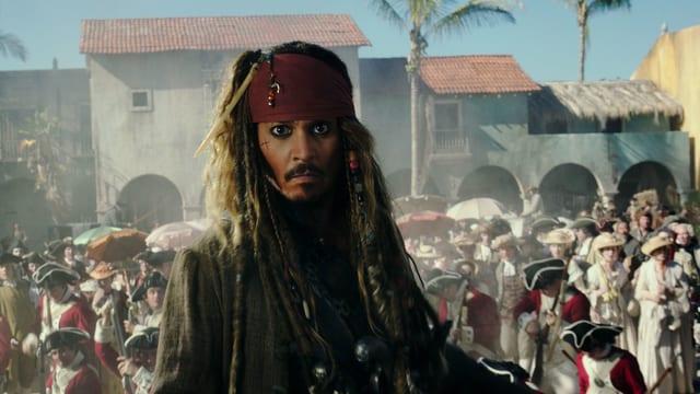 Pirat im Dorf.
