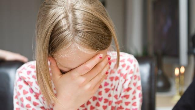 Niedergeschlagene Stimmung und Antriebslosigkeit dominieren den Alltag eines depressiven Menschen.