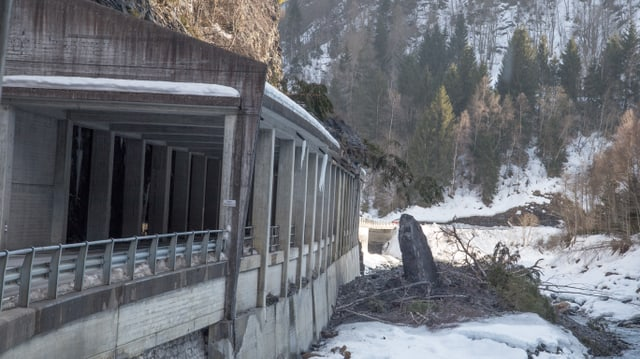 Circa 800 meters cubic material èn crudads sin la gallaria.