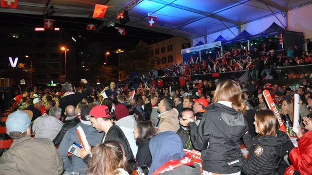 Ils fans Svizzer han la fin finala festivà il 0:0 encunter la Frantscha.