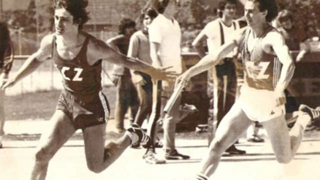 Thomy Scherrer bei der Stabübergabe als Sprinter.