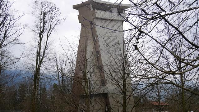 Turm im Park
