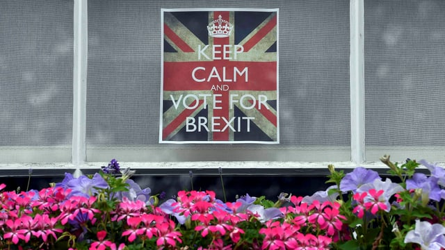 Ein «Leave»-Plakat in einem Fenster: «Keep calm and vote for Brexit»