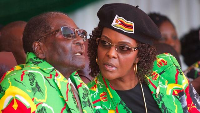 Robert Mugabe e sia dunna Grace.