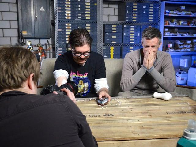 Luzi und Guido und Jan mit der Kamera.