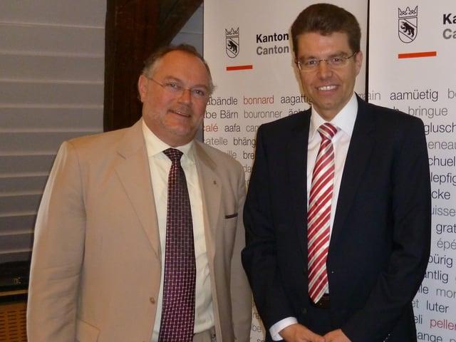 Uwe Jocham mit Regierungsrat Andreas Rickenbacher.