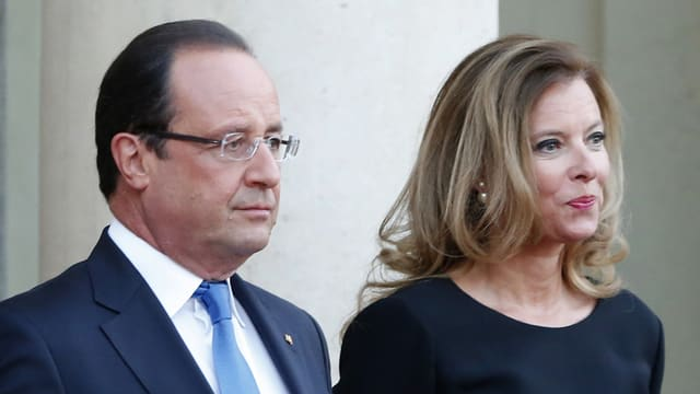 Hollande und Trierweiler stehen nebeneinander