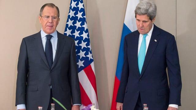 Sanester il minister da l'exteriur russ Sergej Lawrow. Dretg il minister da l'exteriur John Kerry.