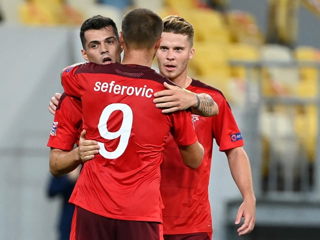 Granit Xhaka, Haris Seferovic und Nico Elvedi.