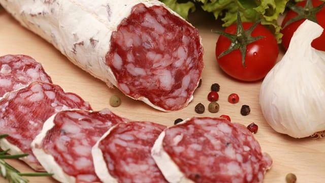 Aufgeschnittene Salami
