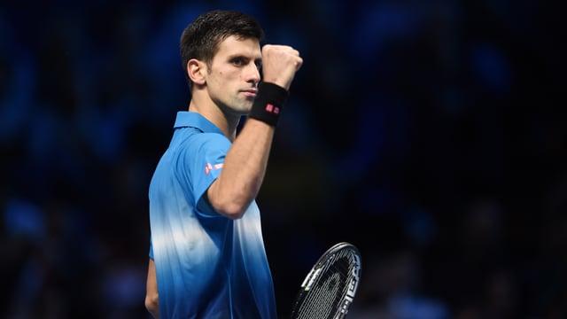 Novak Djokovic ballt nach einem gewonnen Punkt die Faust.