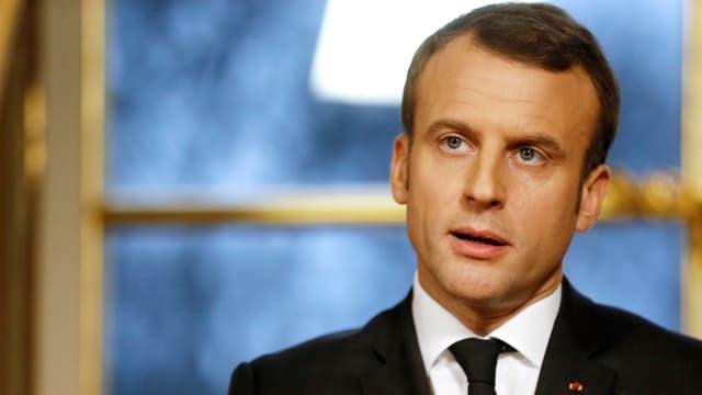 Il president franzos Emmanuel Macron durant ses pled da Bumaun