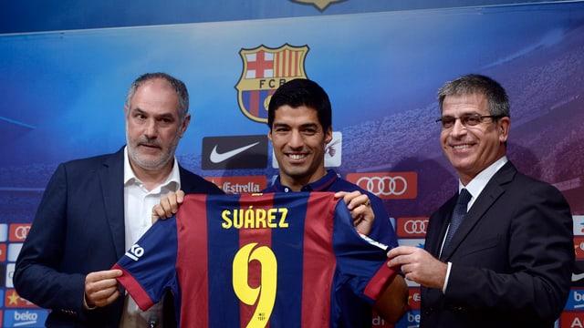 Luis Suárez bei seiner Vorstellung in Barcelona.
