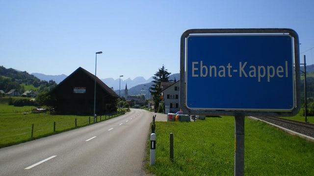Sicht auf das Ortsschild von Ebnat-Kappel