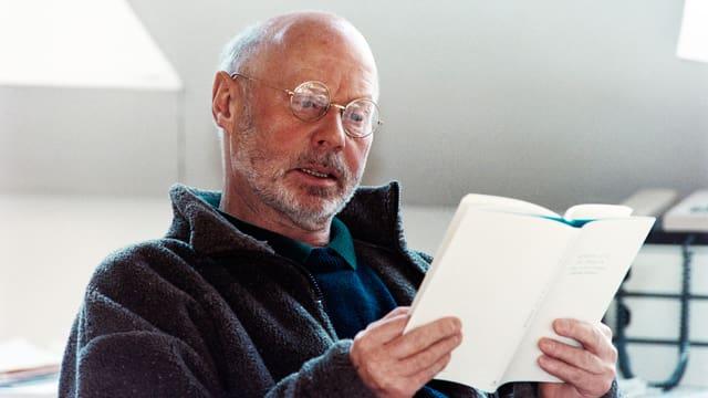 Ein Porträt von Werner Lutz.