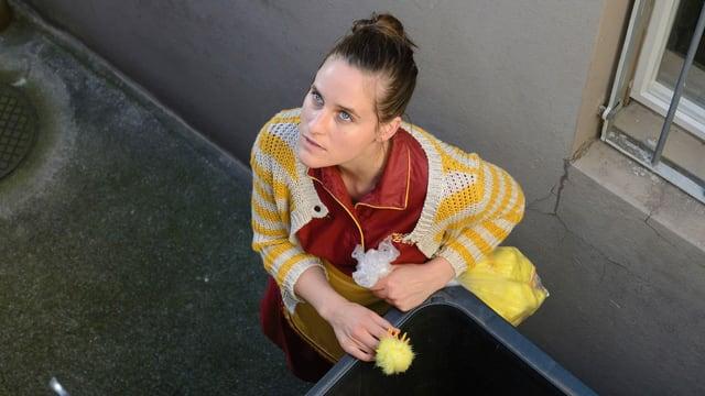Lily (Johanna Bantzer) hat ein dunkles Geheimnis.